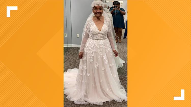 Married in 1952, 94-year-old didn't get to try on a wedding dress until 2021
