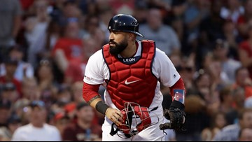 Boston Red Sox trade veteran catcher Sandy León to Cleveland Indians