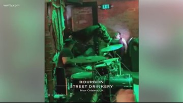 Horse walks into Bourbon Street bar as band plays Old Town Road