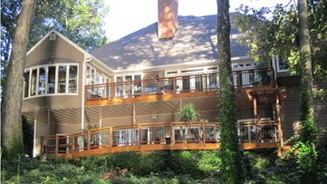 Still looking for the perfect Super Bowl rental? How about a luxurious house on Lake Lanier.