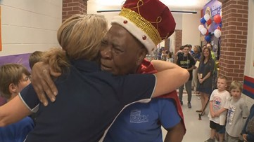 Kids treat 83-year-old custodian like a true king on his final day
